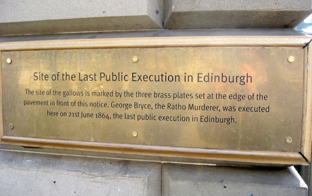 A Plaque marking the site of the last public execution in Edinburgh (George Bryce 1846).