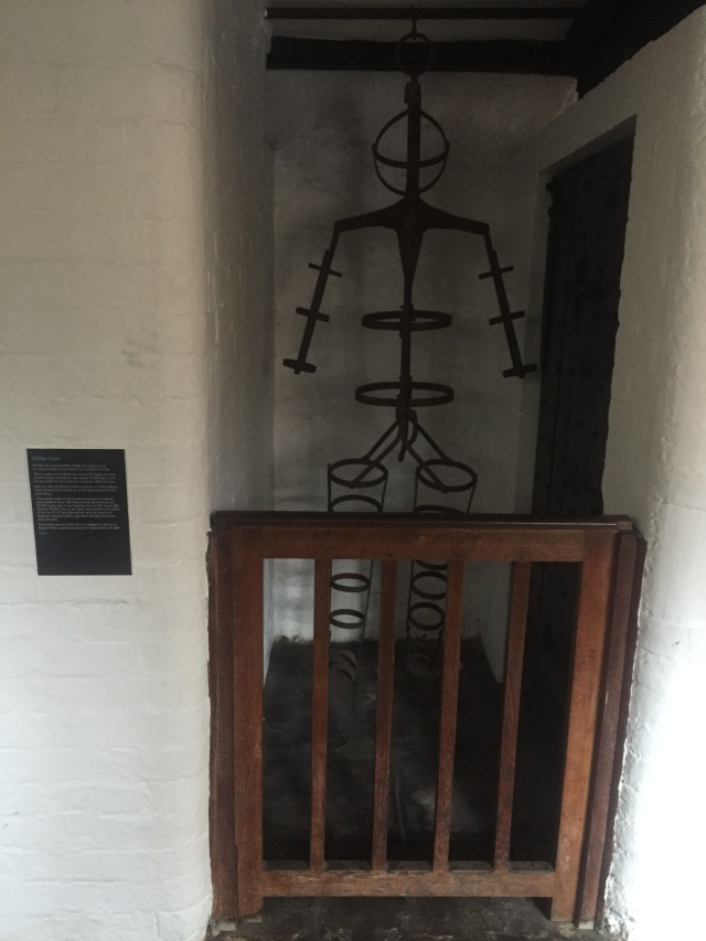 "A replica of James Cook's Gibbet on show at Leicester's Guildhall. The original gibbet was buried near the site with the body still encased and ""dug up in the twentieth century by workmen carrying out improvements to the junction and the cage was donated to the H. M. Prison Service museum who passed it later to Nottingham's Galleries of Justice where it remains.""[1] [1] Sarah Tarlow, ""The Technology of the Gibbet,"" International Journal of Historical Archaeology 18, no. 4 (September 14, 2014): 695, doi:10.1007/s10761-014-0275-0."